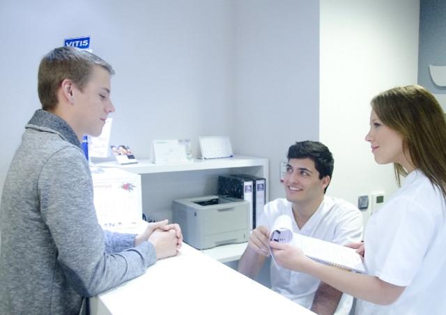 インプラントは遠賀からもアクセス良好な【HANAデンタルクリニック】が対応〜納得の料金で高品質なインプラント治療をお届け〜